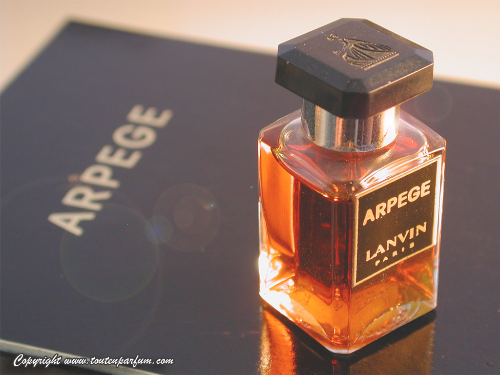 perfume review golden light wood